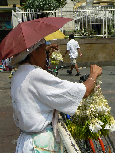 Sampaguita Vendor in Quiapo 4
