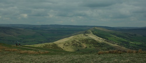 20100425-15_Looking along The Great Ridge to Lose Hill from near Mam Tor by gary.hadden