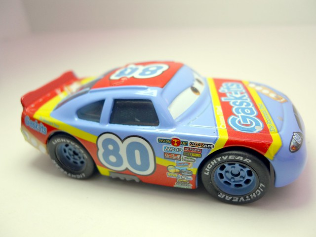 DISNEY CARS KMART COLLECTOR DAY 5  GASK-ITS RACER (2)