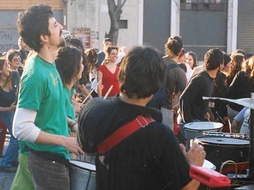 La_Plata_Estacion_Provincial_grupo_de_percusion_AA029_recorte2_i