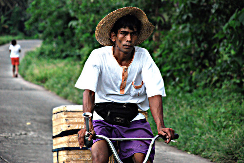street peddler bicycle Buhay Pinoy Philippines Filipino Pilipino  people pictures photos life Philippinen  菲律宾  菲律賓  필리핀(공화�)  vendor