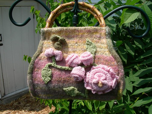 * English Garden Felted Carpetbag - what an interesting project!!