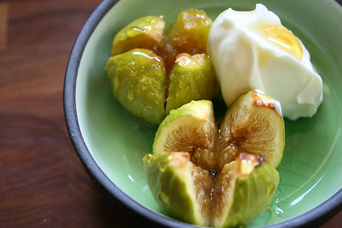 caramelized kadota figs with honey and mascarpone