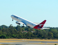 Qantas 767 after take off