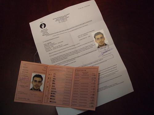 Patente e documento d'identità provvisorio