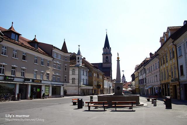 Kranj舊城的街道有點冷清,新城那邊倒是很熱鬧啦!地上一樣乾淨的要命。