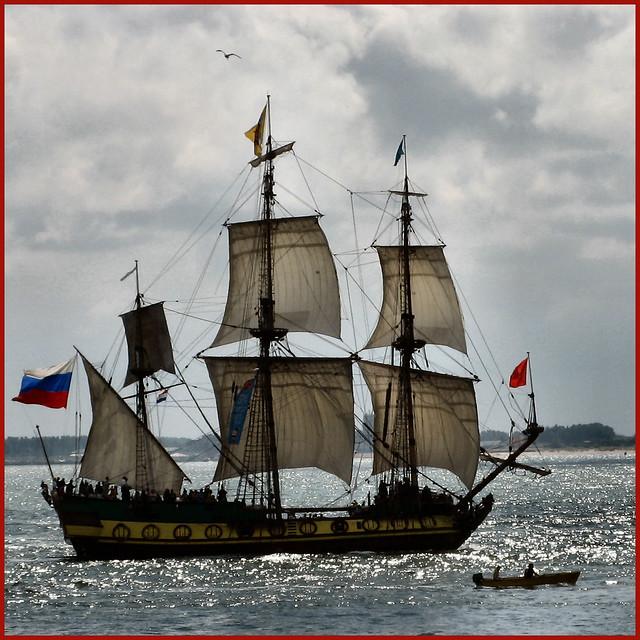 Shtandart, St. Petersburg, full sail