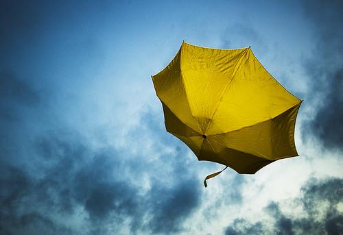 llueve tierra en el cielo