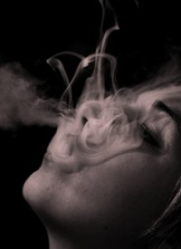 Tentáculos de humo de cigarro