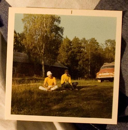 Pappa och mamma med sin SAAB