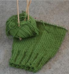 sweater_greeny