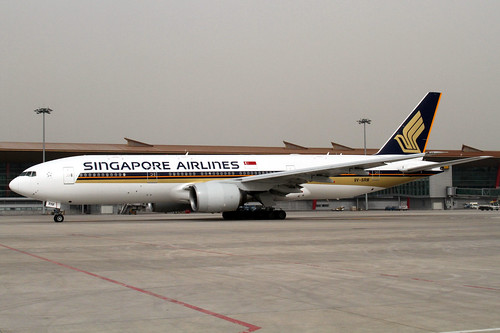 Singapore Airlines B777-200ER(9V-SRM)