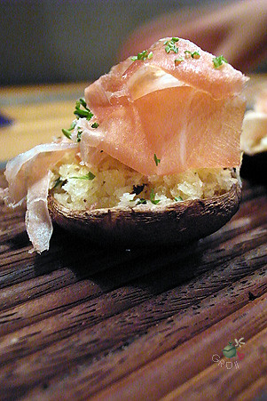 義式生火腿鑲香菇