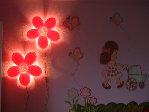 """Iluminação infantil para o quarto das princesas.""""Luminárias"""" by Irene Sarranheira"""