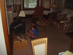 Children watching TV - NFS
