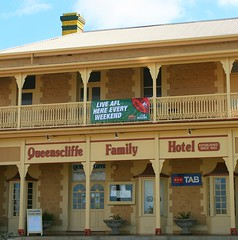 Day 5: Queenscliffe Family Hotel, Kingscote