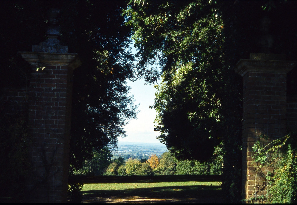 Hidcote Manor | slide film | 2
