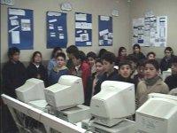 Alumnos en clases de computación