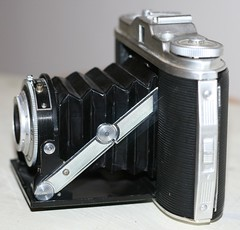 AGFA Isolette 1 - Left Profile