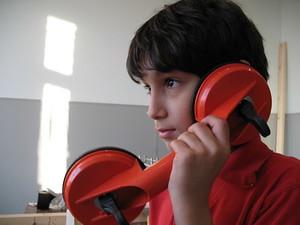 Hem de tenir en compte amb qui parlem. (C) Mobigates flickr.com