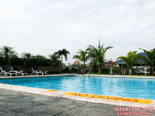 Swimming Pool at the Traders Hotel
