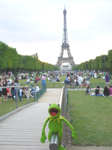 Kermit and the Eiffel Tower