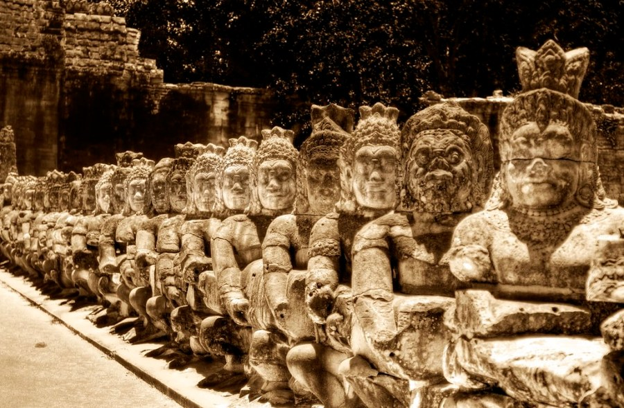 Heads of Kings and Heads of Buddhas