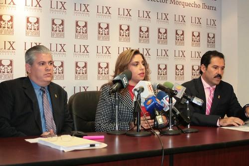 Rueda de Prensa Dip.  Elisa Ayón, José Noel Pérez de Alba y Jesús Casillas Romero