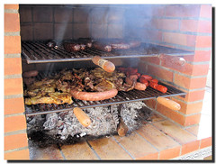 Barbecue, by Flickr user SantiMB