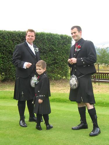 brudgommen, hans best man, och så Adam som jag faktisk inte helt fattat vad han var...