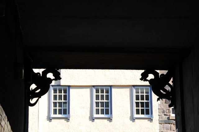 Dragones y ventanas