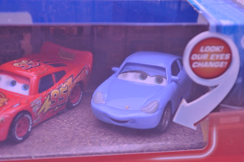 Disney Cars red wet mcqueen sally 2 pack (4)
