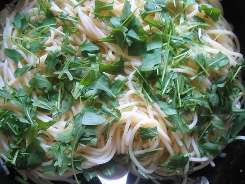 citromos spagetti rucolával