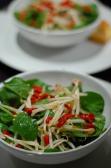 Goji Berry, Spinach & Bean Sprouts Salad