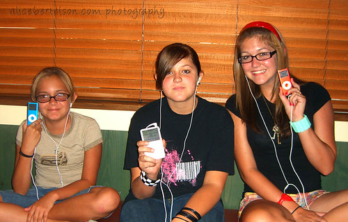 The iPod Sisters!