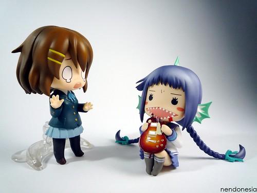 """Yui: """"Noo!! Giitaaaaahhhh!! T__T"""""""