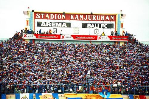 Aremania di Stadion Kanjuruhan