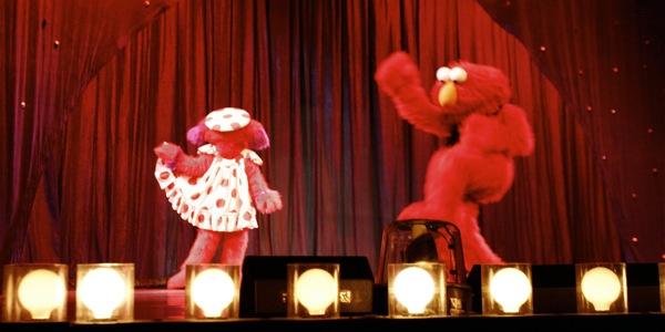 Sesame Street Live: Elmo's Coloring Book - 16