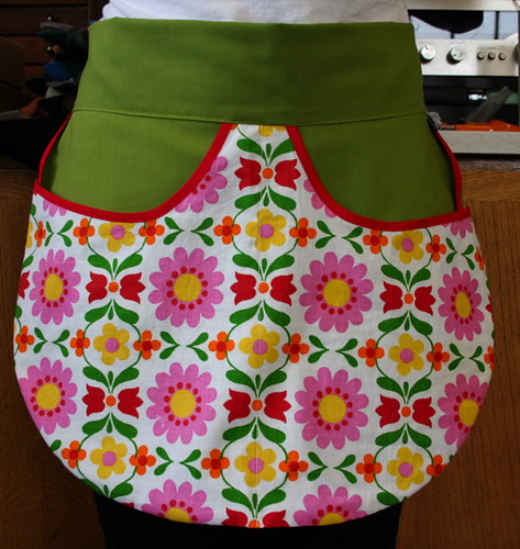 floral bright apron.JPG