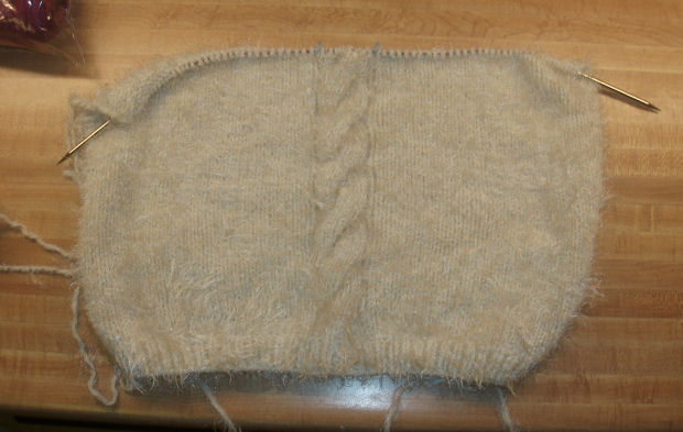 KnittedTopwCable_Front_080807