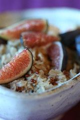 Spiced Quinoa Oatmeal with Figs and Cream 2