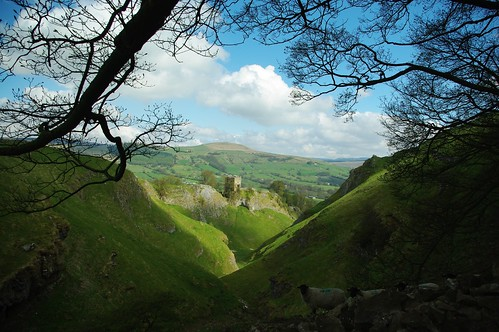 20100425-08_Peveril Castle above Cave Dave - Castleton by gary.hadden