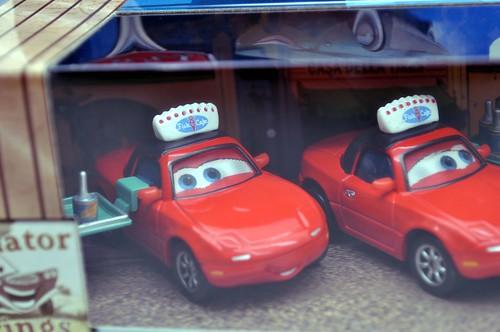 Disney CARS waitress mia and tia flo with tray 3 pack (2)
