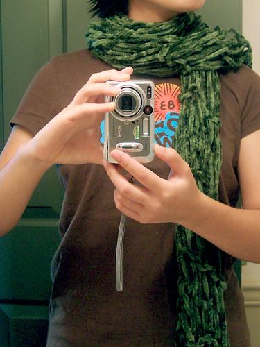 needleless scarf, worn