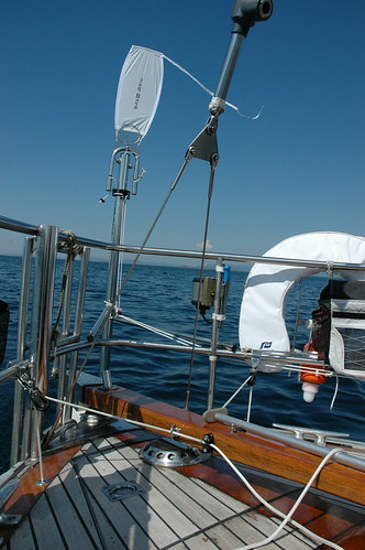 Equipment: Choosing and fitting a wind vane (2/6)