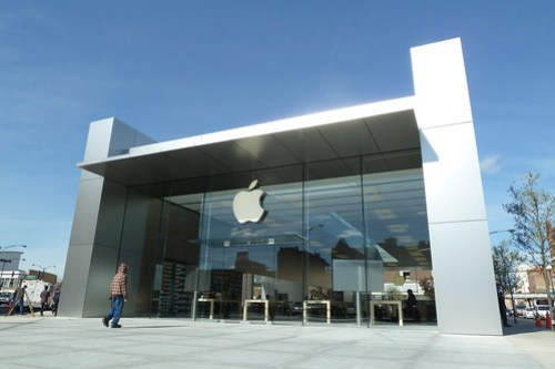 Apple Store Lincoln Park: Ready for Business