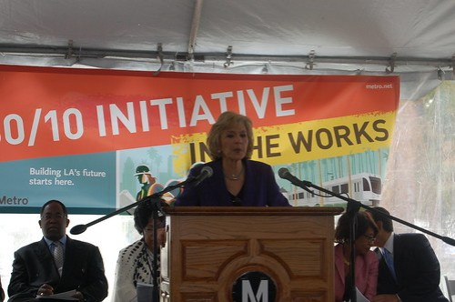 Senator Boxer offers strong support for a federal transportation bill that supports 30/10.