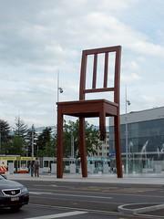 Broken Chair / Geneva par Aceduline