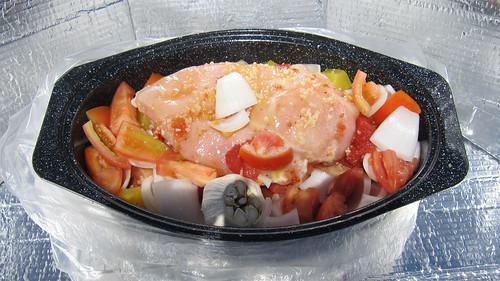 chicken cooking garden tomato solar slow oven tomatoes... (Photo: EBKauai on Flickr)