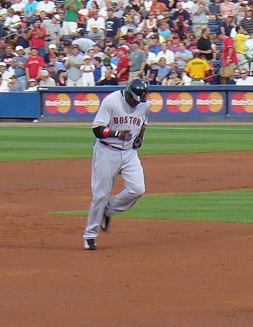 David Ortiz rounds the bases